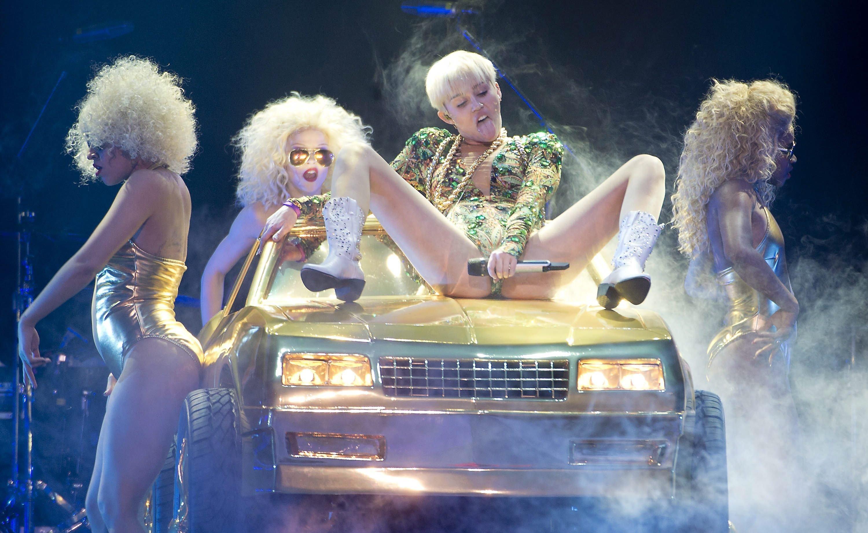 Miley-Cyrus-Bangerz-Tour