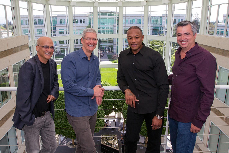 apple-buys-beats-official-dr-dre-tim-cook Dr.Dre, Apple, beats, headphones, billionaire